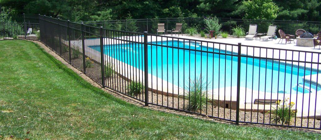Aluminum-Pool-Fence